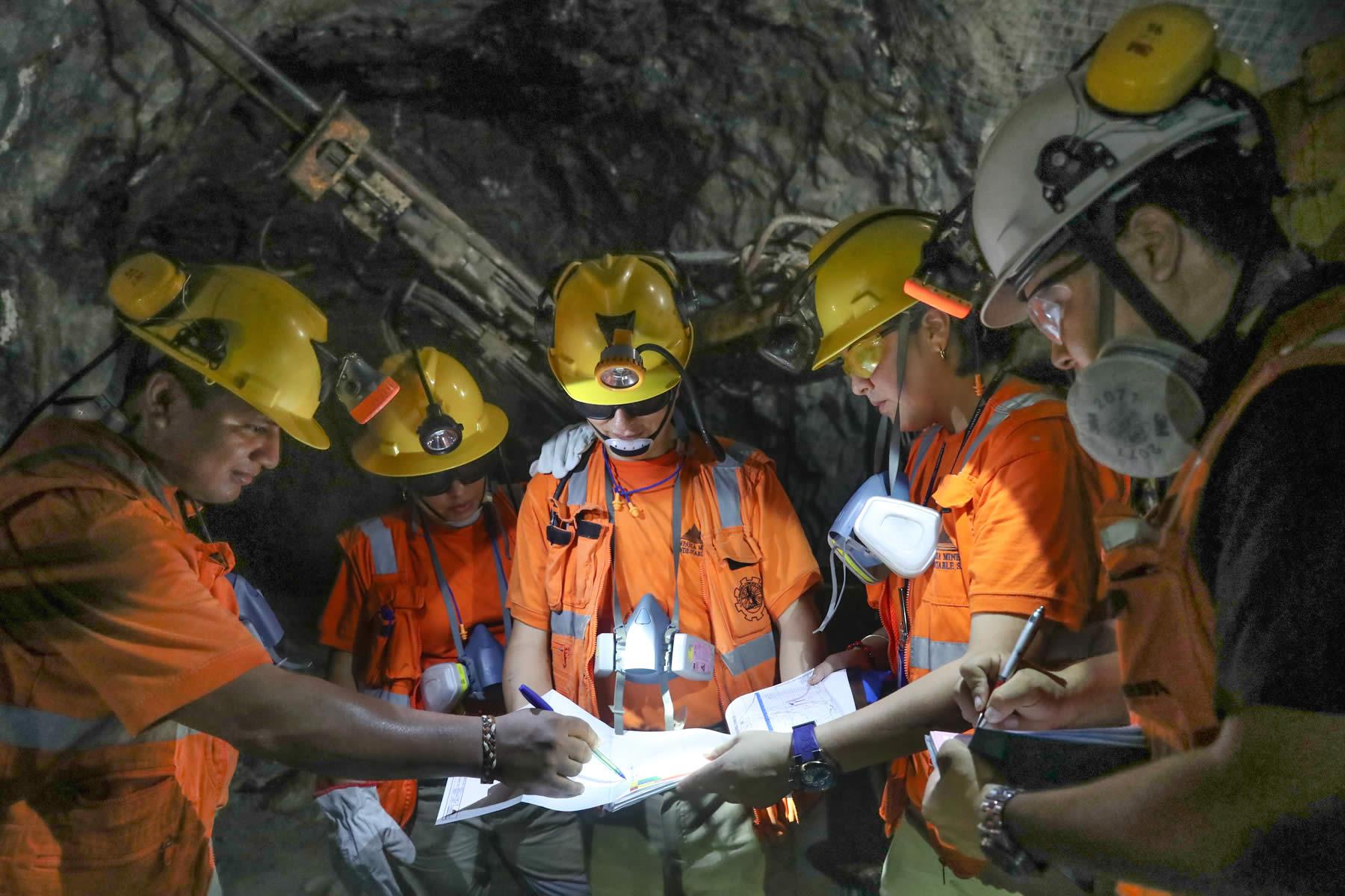 Operaciones mineras con MacroSteele